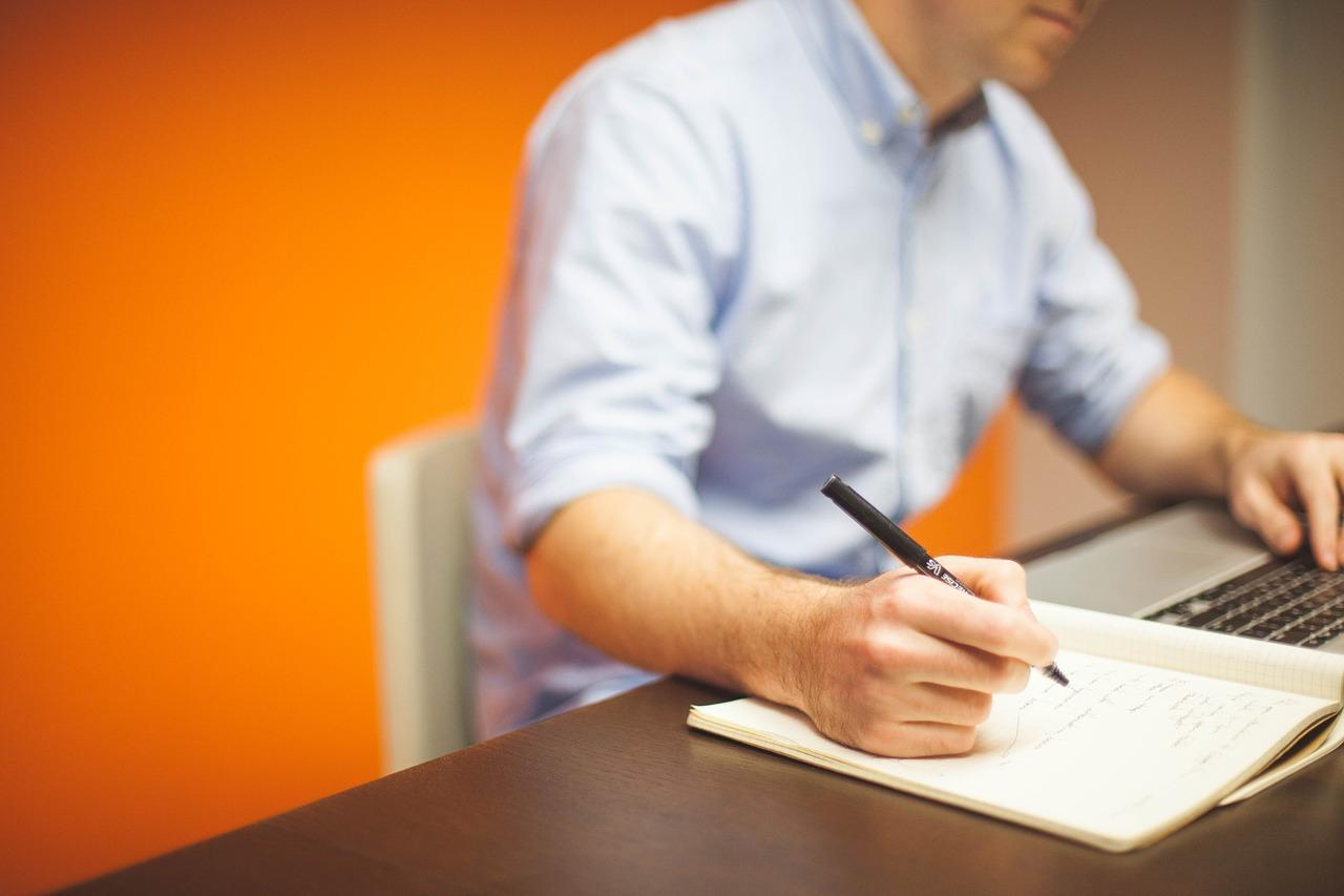 Sådan vælger du det rette firma til mødebooking