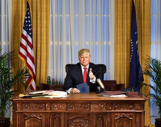 Se videoen: Donald Trump får sit eget satire-show